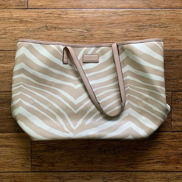 Coach Handbags - COACH METRO TOTE 😍